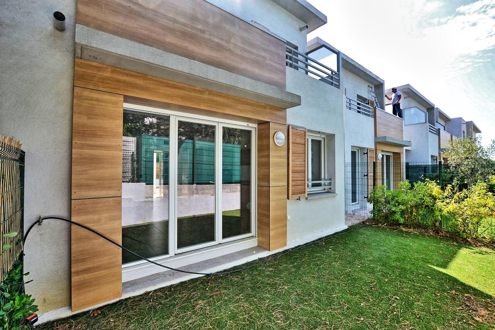 Vente maison 4 pieces neuve 80m juan les pins bijou plage for Vente maison neuve 85